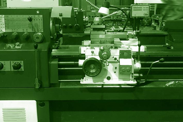 станок на заводе
